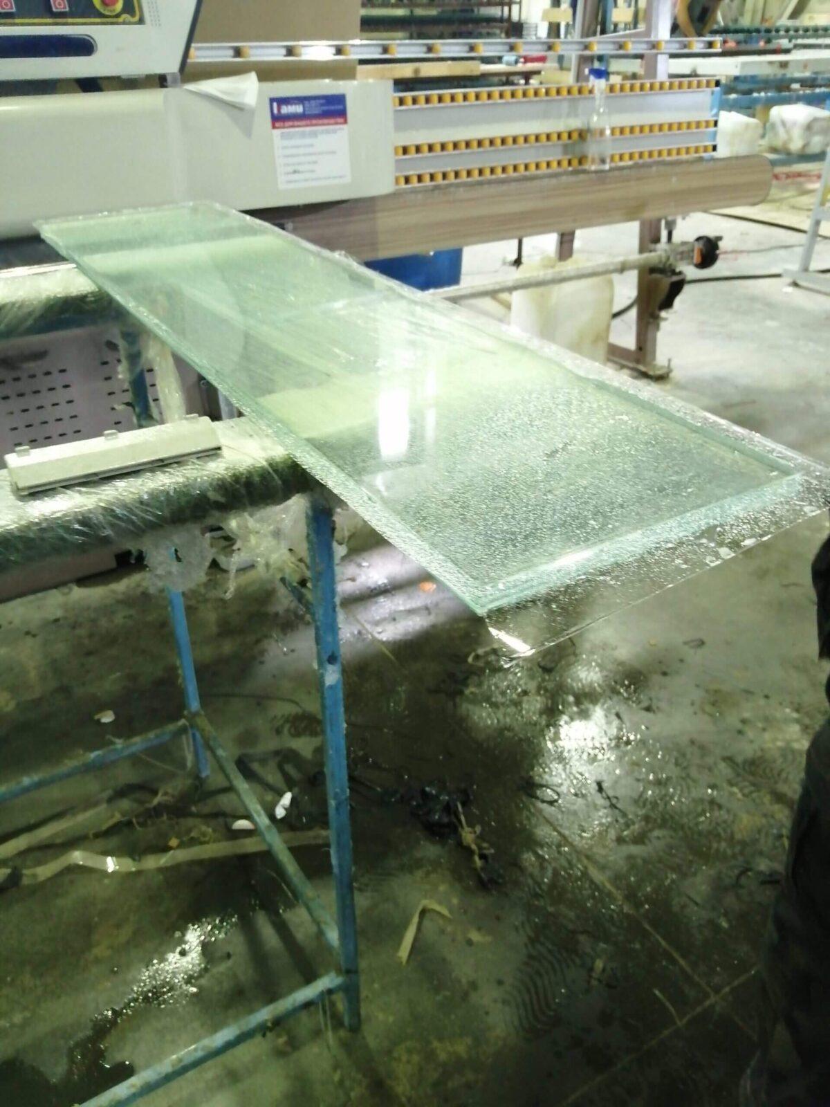 Противоударное многослойное стекло